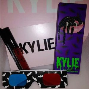Kylie Bite Me Lip Kit With 3D Glasses